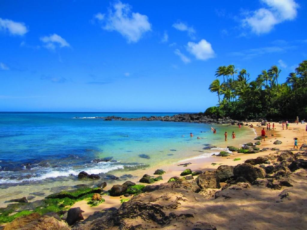 Lainakea Beach